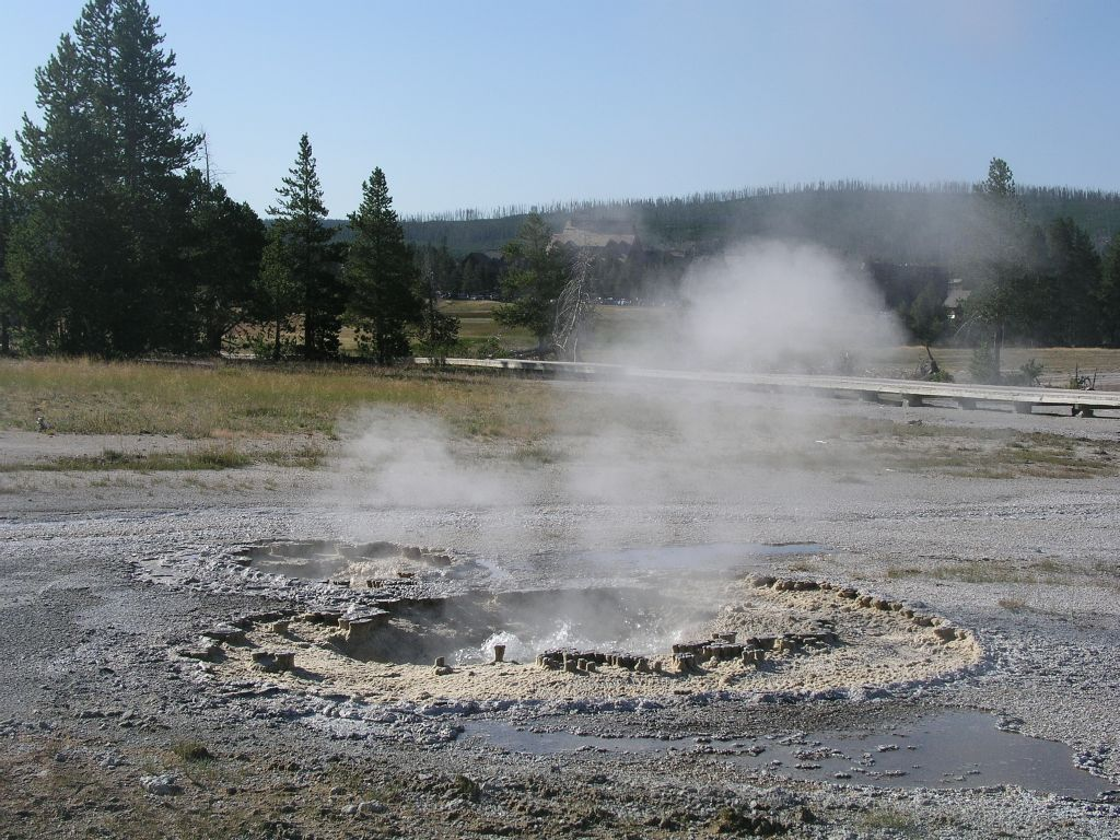 Thursday August 10, 2006 Day 6 - Yellowstone